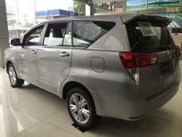 Toyota Giải Phóng bán ô tô Toyota Innova V 2017, màu bạc, giao xe ngay hỗ trợ trả góp 90%