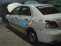 Cần bán xe Toyota Vios năm 2009, màu trắng