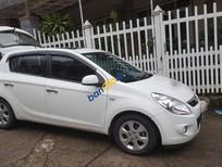 Cần bán gấp Hyundai i20 sản xuất năm 2010, màu trắng, xe nhập, giá tốt