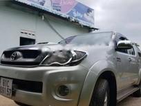 Cần bán gấp Toyota Hilux sản xuất 2009, màu bạc, nhập khẩu