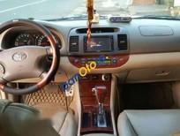 Cần bán xe Toyota Camry 3.0V đời 2004 xe gia đình, 418 triệu