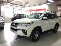 Bán xe Fortuner 2.4G máy dầu màu trắng - Fortuner V 2017 nhập khẩu nguyên chiếc Indonesia. Giao xe ngay