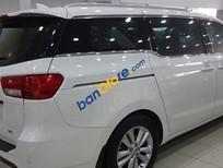 Bán xe Kia Sedona 3.3 AT đời 2015, màu trắng số tự động