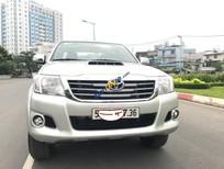 Cần bán xe Toyota Hilux E sản xuất năm 2014, màu bạc, xe nhập