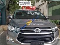Cần bán Toyota Innova V sản xuất 2017, giá tốt