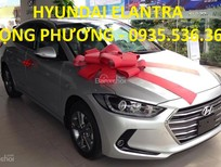 Bán Hyundai Elantra 2017, màu bạc