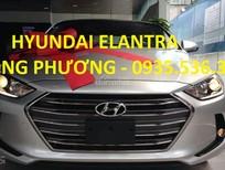Cần bán xe Hyundai Elantra 2017, màu bạc, 590 triệu