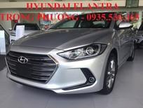 Cần bán Hyundai Elantra 2017, màu bạc