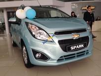 Bán xe Chevrolet Spark LT 1.2, màu xanh ngọc 5 chỗ dáng nhỏ gọn, LH: Huyền Chevrolet 0901027102