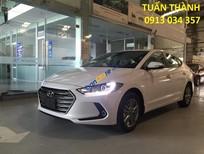 Bán xe Hyundai Elantra 2016, màu trắng