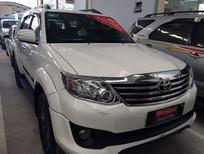 Cần bán gấp Toyota Fortuner 2.7V 2014, màu trắng