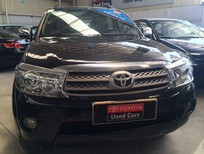Cần Toyota Fortuner dầu 2011, màu đen