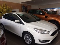 Bán Ford Focus Ecoboost, 600 triệu, giao xe ngay.