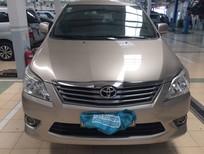Cần bán Toyota Innova 2.0E 2012, màu vàng, 660tr
