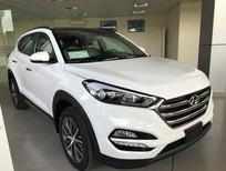 Cần bán xe Hyundai Tucson 2018, màu trắng, nhập khẩu nguyên chiếc Hàn Quốc. Hotline Sale Excutive: 0905.976.950