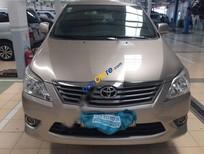 Bán Toyota Innova E sản xuất 2012, màu vàng, 660tr