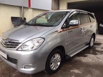 Cần bán xe Toyota Innova V đời 2010, màu bạc, số tự động, giá 565tr