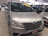 Cần bán gấp Toyota Innova 2.0E đời 2014, màu bạc, số sàn