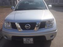 Tôi cần bán Nissan Navara LE số sàn màu bạc, xe mua mới tinh 2014, sản xuất 2013