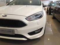 Bán xe Focus 1.5 Ecoboost màu trắng 2015, xe đẹp