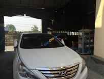 Cần bán lại xe Hyundai Sonata sản xuất năm 2011, màu trắng