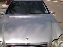 Cần bán xe Mercedes C180 2004, màu bạc