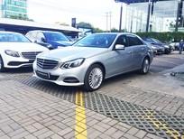 Cần bán Mercedes Benz E400 2013 màu bạc, một đời chủ