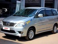 Bán xe Toyota Innova E 2.0MT đời 2013, màu bạc số sàn