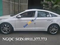 Cần bán xe Hyundai Sonata năm 2016, màu trắng, nhập khẩu