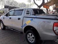 Cần bán lại xe Ford Ranger XLS AT đời 2014, màu bạc như mới