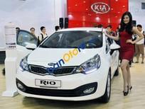 Cần bán Kia Rio năm 2017, màu trắng, nhập khẩu