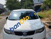 Mình cần bán Kia Forte AT đời 2011, màu trắng số tự động, 450 triệu