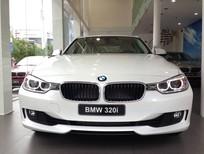 Cần bán BMW 3 Series 320i 2017, màu trắng, nhập khẩu chính hãng