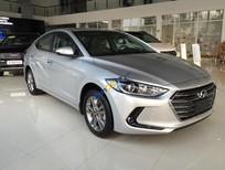 Cần bán xe Hyundai Elantra năm sản xuất 2017