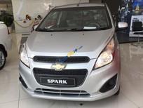 Chevrolet Spark LS 1.2L màu bạc, ưu đãi giá tốt, giao xe tận nơi - LH: 0945.307.489 Huyền Huyền