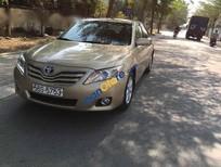 Cần bán gấp Toyota Camry 2.5 LE đời 2010, màu vàng, nhập khẩu nguyên chiếc còn mới