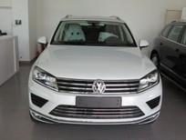 Bán ô tô Volkswagen Touareg 3.6FSI V6 4Motion 2016, màu trắng, nhập khẩu nguyên chiếc, khẳng định đẳng cấp châu Âu