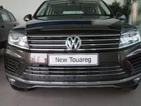 Bán xe Gấp lắm xe Volkswagen Touareg 3.6L FSI Full Option 2016, màu nâu, nhập khẩu Tiệp Khắc, giá bao mê ly