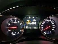 Cần bán lại xe Kia Sedona GATH đời 2015, màu trắng