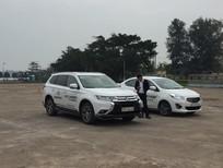 Cần bán Mitsubishi Outlander sản xuất 2018, màu trắng