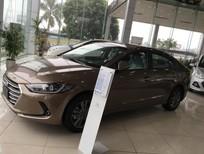 Bán Hyundai Elantra sản xuất 2017, màu vàng cát. Xe mới, giá tốt nhất