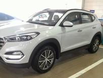 Cần bán Hyundai Tucson sản xuất 2017, màu trắng, xe nhập, giá tốt