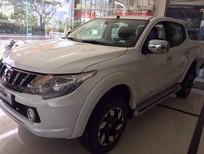 Cần bán xe Mitsubishi Triton năm 2017, màu trắng, nhập khẩu, 700tr