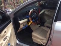 Cần bán gấp Toyota Vios E năm 2014, màu bạc xe gia đình