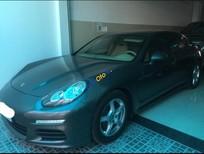 Cần bán xe Porsche Panamera đời 2014, màu xám, nhập khẩu chính hãng, chính chủ. Đẹp như mới
