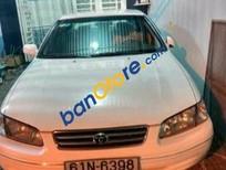 Chính chủ bán Toyota Camry MT sản xuất 1998, màu trắng, xe nhập