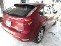Cần bán xe Ford Focus 1.8 sản xuất 2011, màu đỏ số tự động