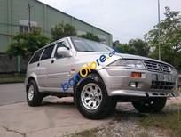Cần bán Ssangyong Musso 2002, màu bạc