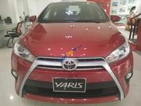 Cần bán Toyota Yaris 1.5G đời 2017 màu đỏ xe giao ngay