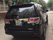 Cần bán lại xe Toyota Fortuner V 4x2AT đời 2013, màu đen còn mới